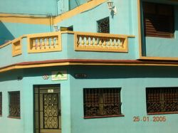 'in front' Casas particulares are an alternative to hotels in Cuba.