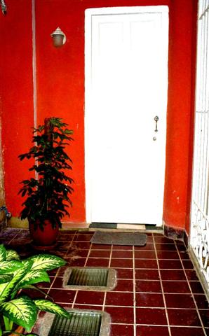 'Entrada privada apartamento 2'