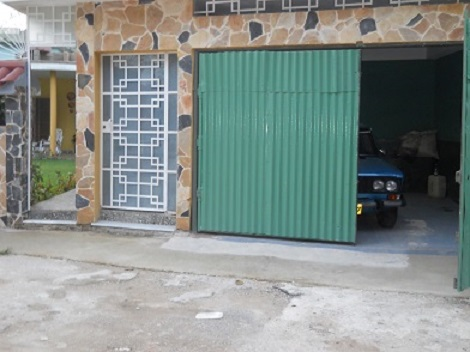 'Garage' Casas particulares are an alternative to hotels in Cuba.