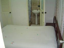 'room1'