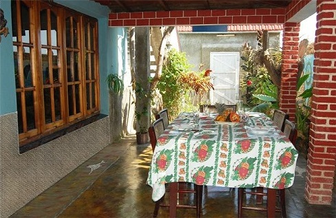 'Comedor de afuera' Casas particulares are an alternative to hotels in Cuba.