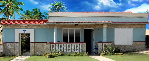 'Frente de la casa' Casas particulares are an alternative to hotels in Cuba.