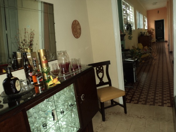 'Sala de estar y hall' Casas particulares are an alternative to hotels in Cuba.