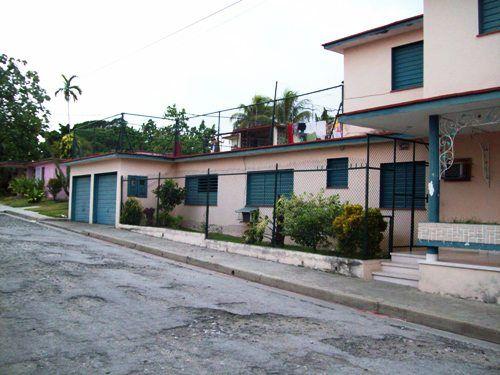 'large house'