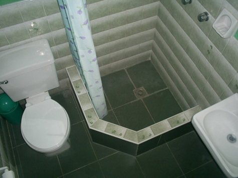'Bathroom 2'