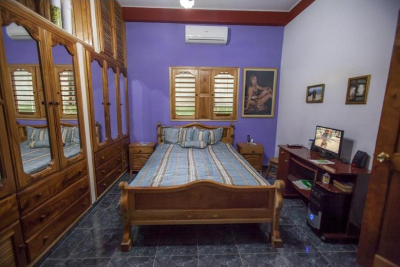 Casa Particular Villa La Sierra at Playa, Habana (click for details)